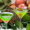 Green Appletinis with berries