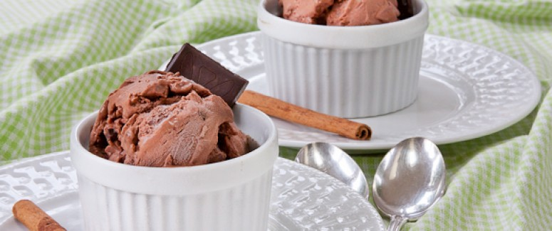 Chocolate-Cinnamon Gelato With Toffee Bits Recipe — Dishmaps