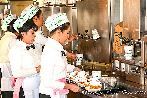 Cafe du Monde stays busy all day