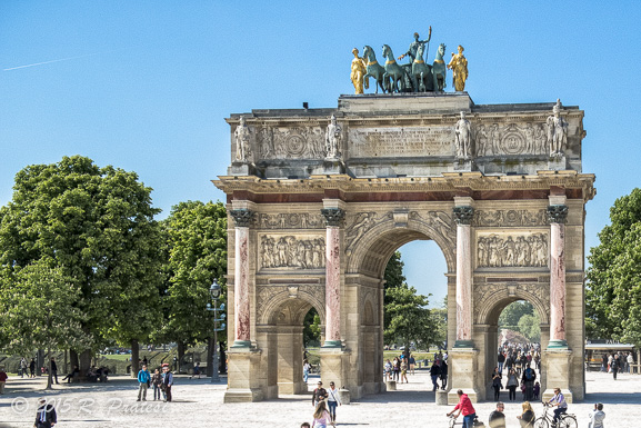 Sightseeing in Paris - The Arc de Triomphe du Carrousel