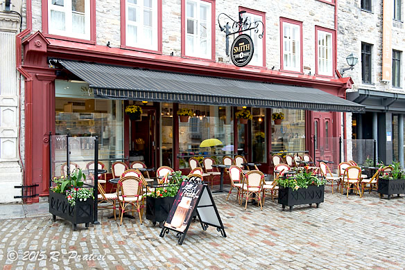 One of the many enticing cafés