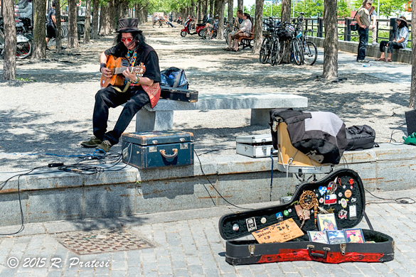 One of the many street musician along the Old Port