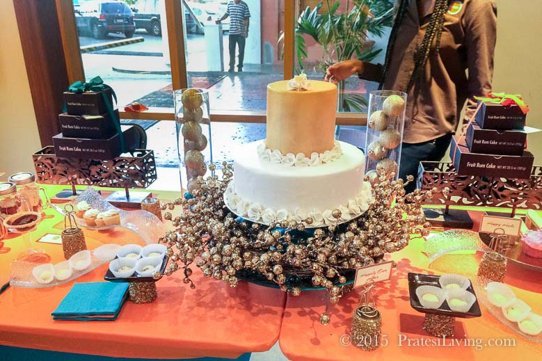 Extraordinary cake displays