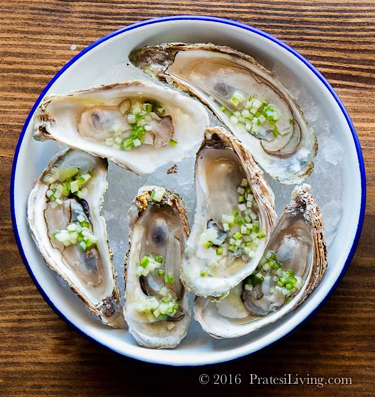 Oysters with migonette sauce