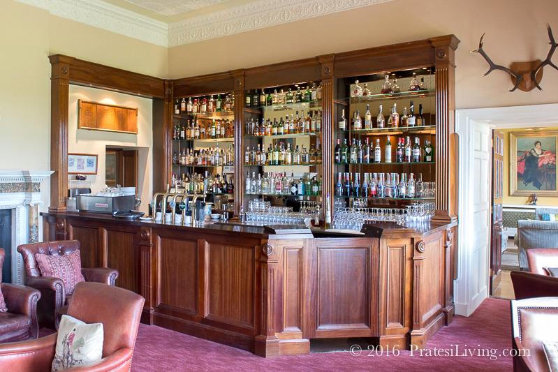 Tetrach Bar