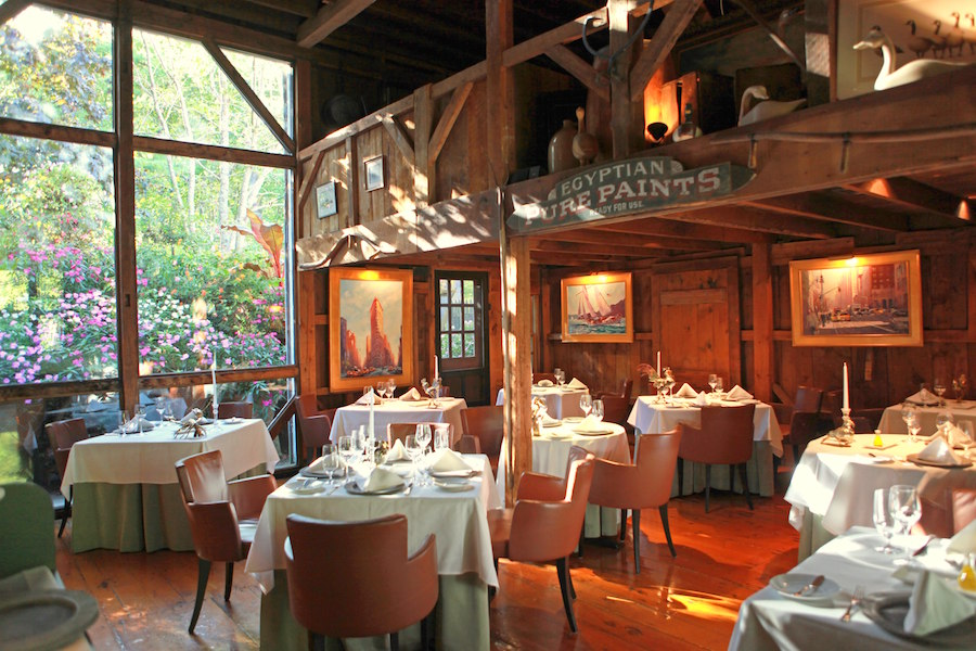 Where To Eat And Stay In Kennebunkport Maine Pratesi Living Historical Interior Boston Seafood Restaurant Dining
