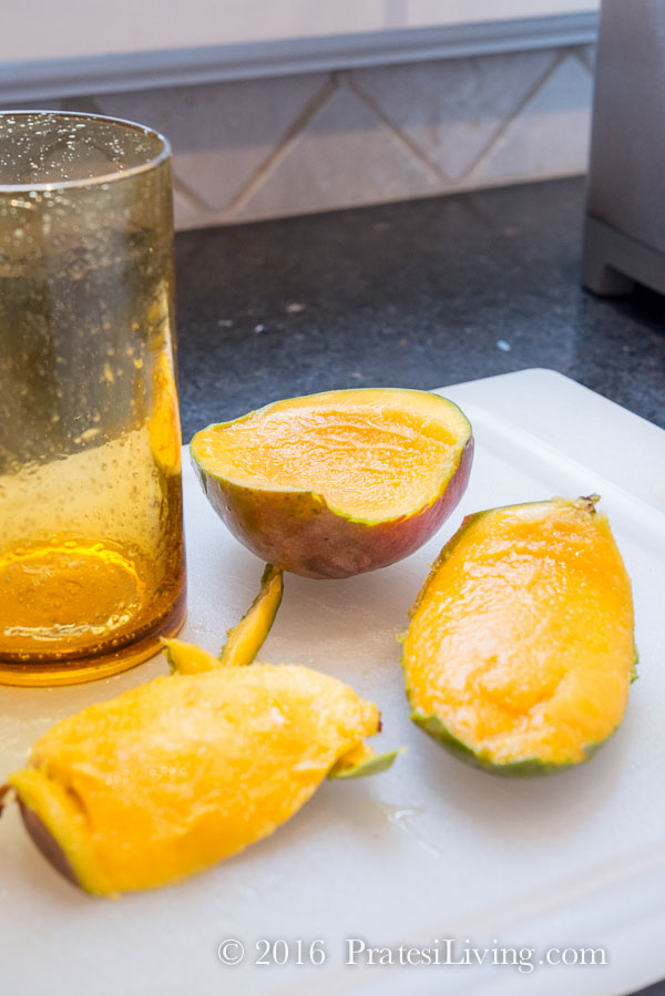 The easy way to peel mango away from the pit - ingenious!