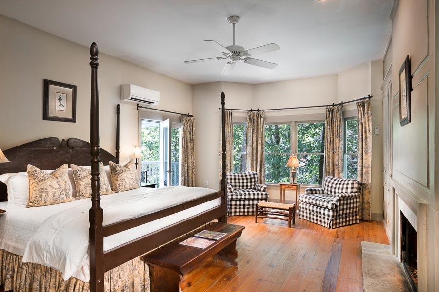 Half-Mile Farm bedroom