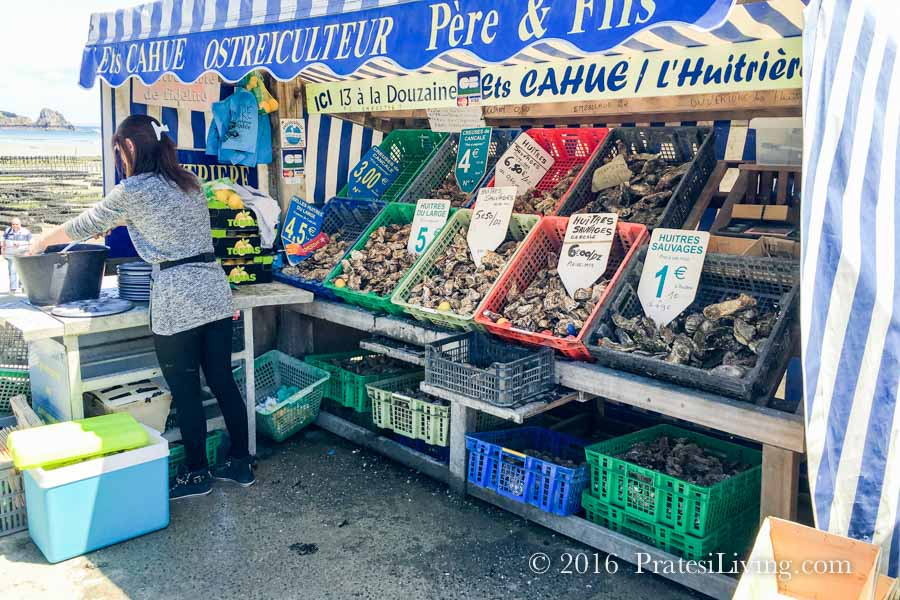 Oyster market in Cancale