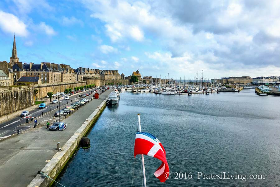 Star Legend in Saint-Malo