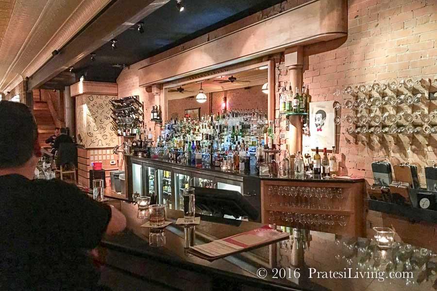 Bar at Plonk